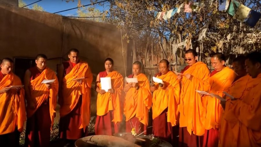 Tsor Fire Ceremony & The Six Perfections – Drepung Loseling Monks